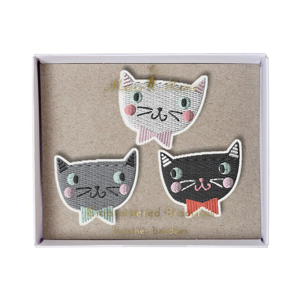 Meri Meri Natural Cotton Canvas & Felt Embroidered Brooch Set cats with bowties grey white black