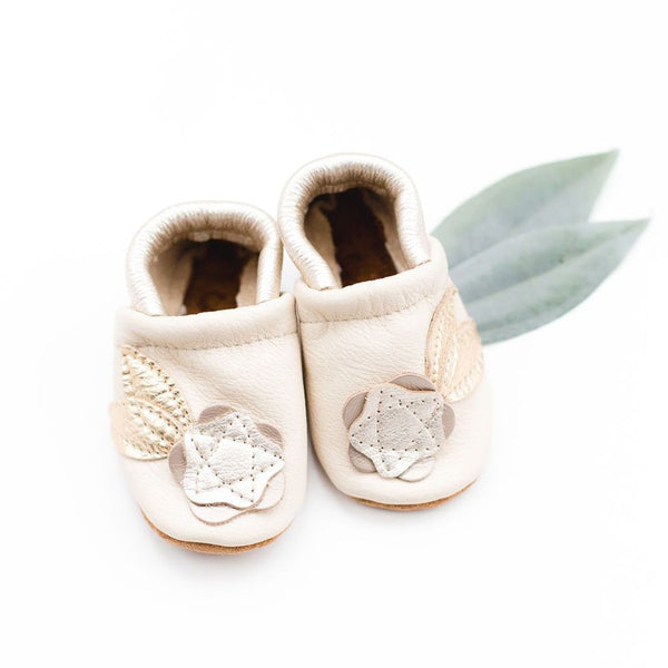 Starry Knight Design Baby Leather Shoes with Design platinum flowers light