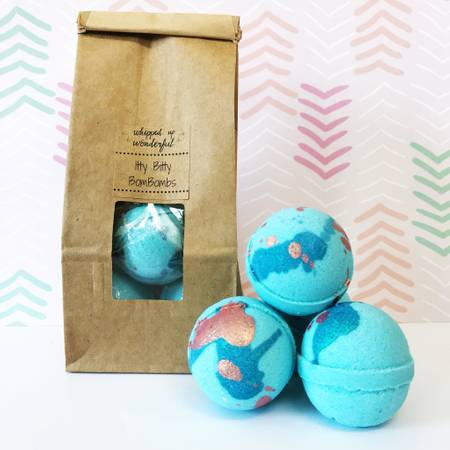 Whipped Up Wonderful Mermaid Itty Bitty Bombombs -Mini Bath Bombs 5 Pcs