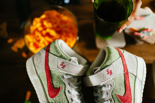 "Nike SB rules yet another 4/20 with the Dunk Mid ""White Widow"""