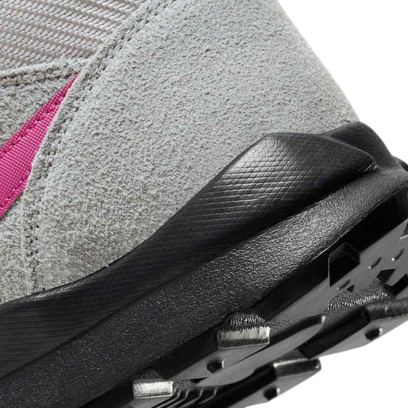 Nike Hoodland (Particle Grey/Bright Magenta)