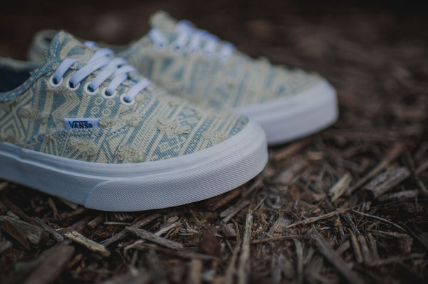 Vans Authentic Slim Frayed Native (True White)