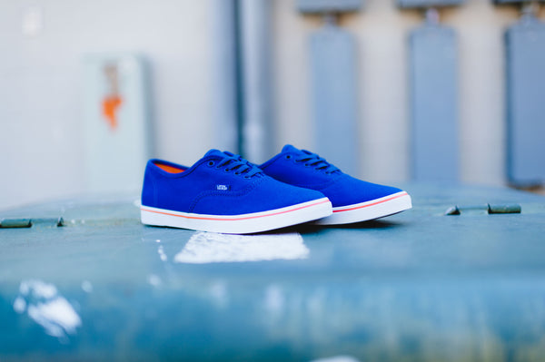 WMNS Vans Authentic Lo Pro (Blueprint/Camellia)