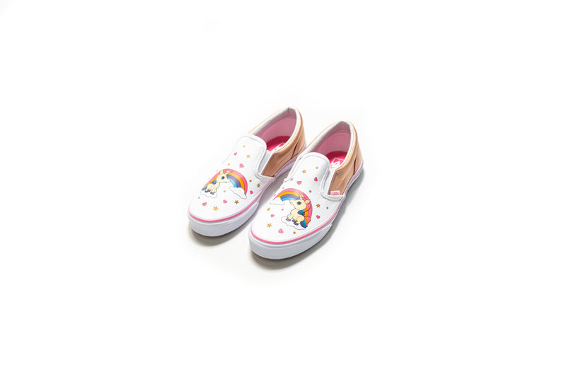 Vans Unicorn Rainbow Classic Slip-On (Pink Lemonade True White ... 942943f21