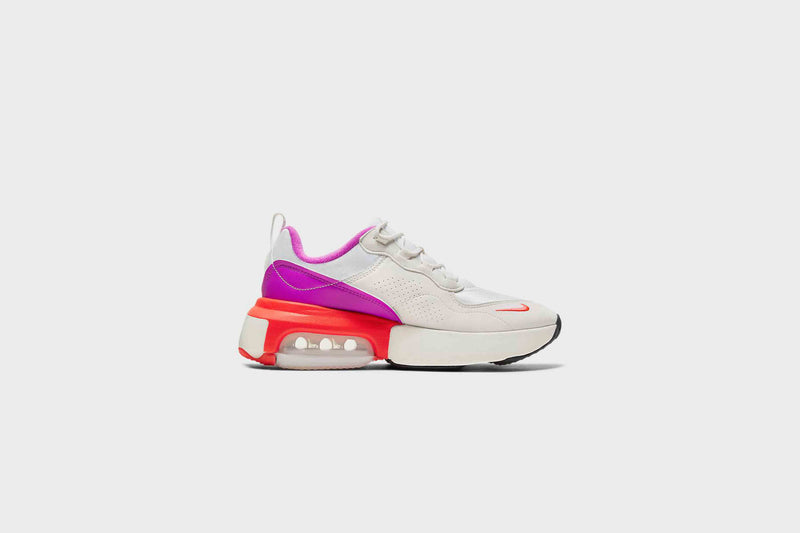 WMNS Nike Air Max Verona (Summit White/Laser Crimson)