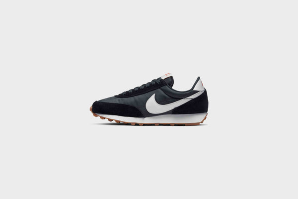 WMNS Nike DBreak (Black/Summit White-Off Noir)