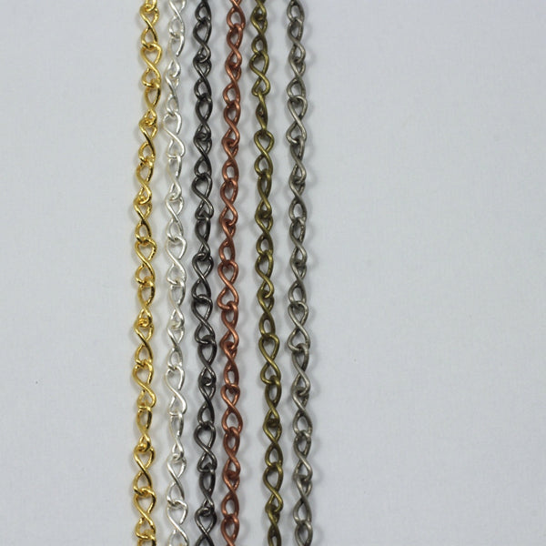 5mm x 2mm Figure Eight Chain CC152