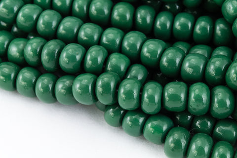 1/0 Opaque Forest Green Seed Bead (1/2 Kilo) #CST028