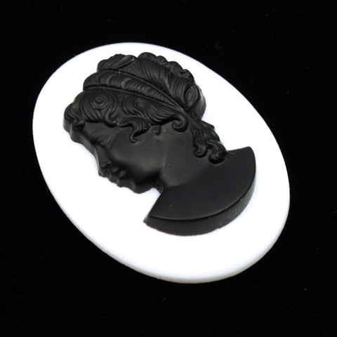 30mm x 40mm Black and White Cameo #XS117-E-General Bead