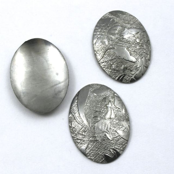 18mm x 25mm Steel Dapped Floral Oval