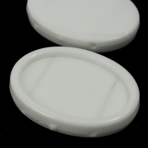 25mm White Oval Lucite Cab Setting