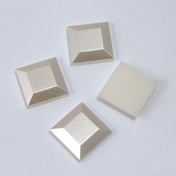 10mm Luster Cream Square Cabochon