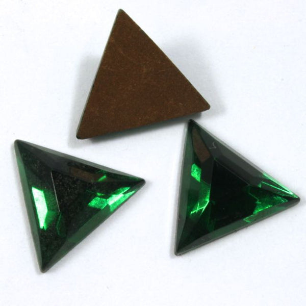 13mm Emerald Green Triangle Cabochon #XS27-B