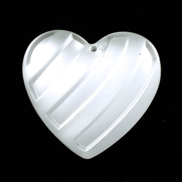 28mm Frosted Heart Pendant