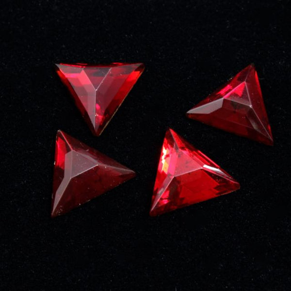 13mm Ruby Red Triangle #XS27-A