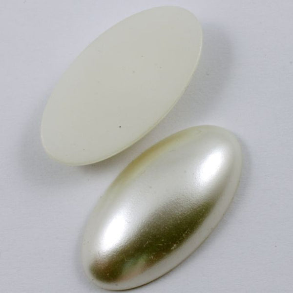 32mm Cream Pearl Oval Cabochon