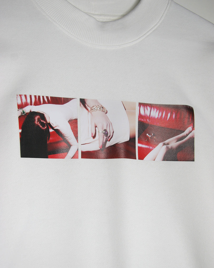 WHITE PHOTO STORY SWEATSHIRT