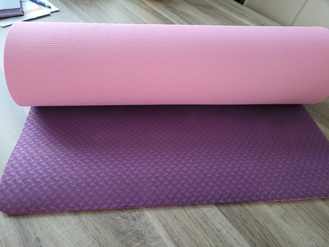 Paarse yogamat