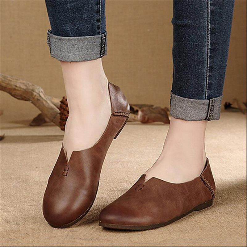 Women Casual Slip-on Flat Heel Leather Shoes
