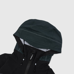 AND WANDER EVENT RAIN JACKET