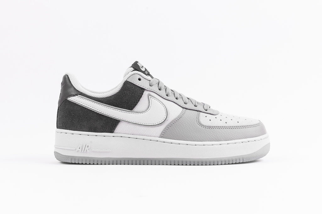 "NIKE AIR FORCE 1 '07 LV8 2 ""ATMOSPHERE GREY"""