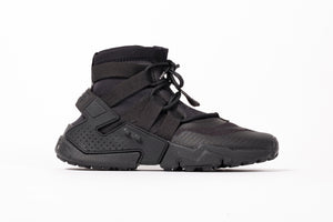 "NIKE AIR HUARACHE GRIPP ""TRIPLE BLACK"""