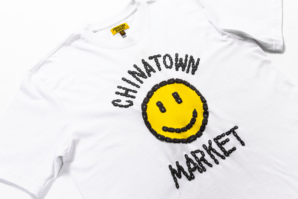 CHINATOWN MARKET SMILEY LOGO CHAIN S/S T-SHIRT