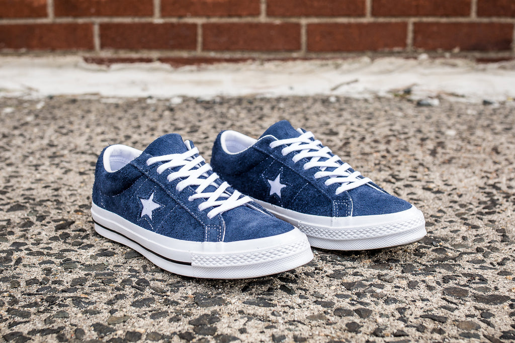 CONVERSE ONE STAR SUEDE LOW TOP - NAVY