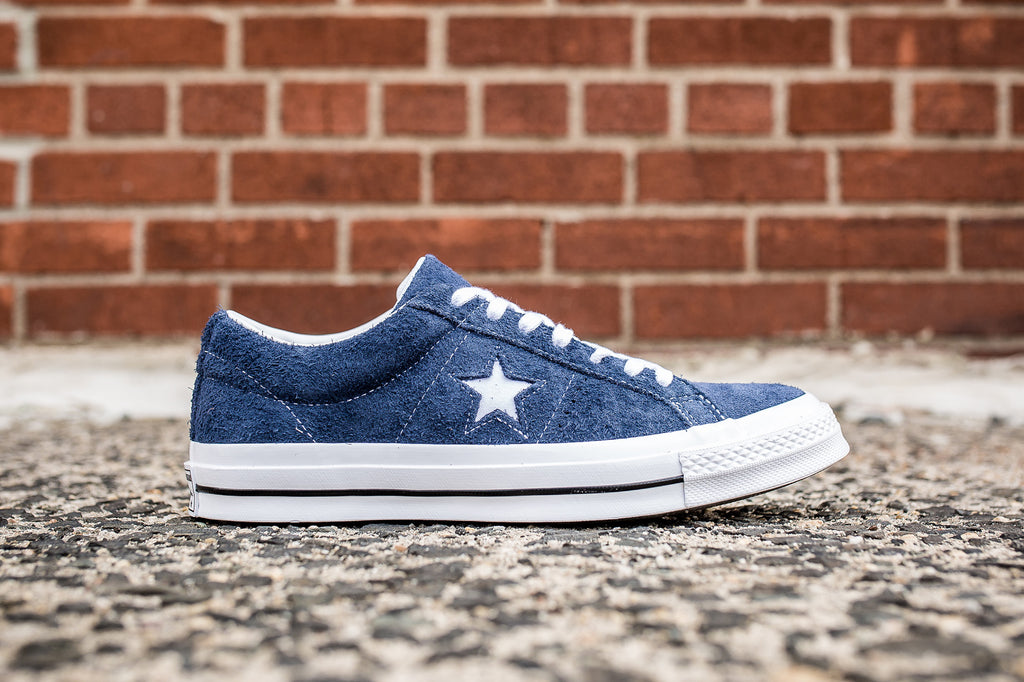 CONVERSE ONE STAR SUEDE LOW TOP - NAVY  788bfce86