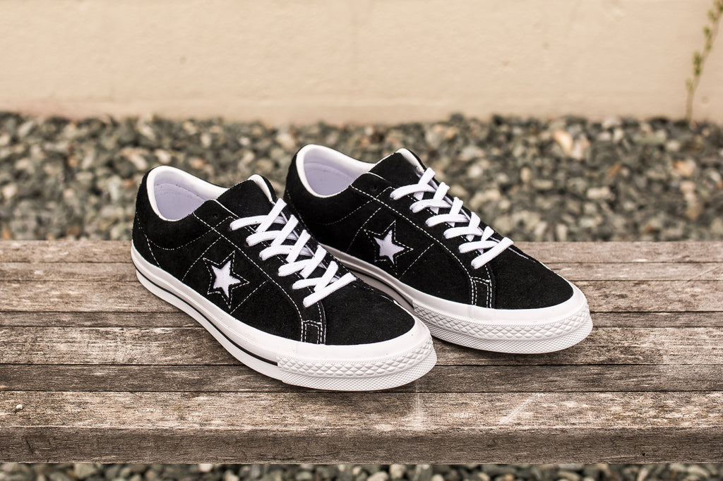 CONVERSE ONE STAR SUEDE LOW TOP - BLACK  0a7d64758
