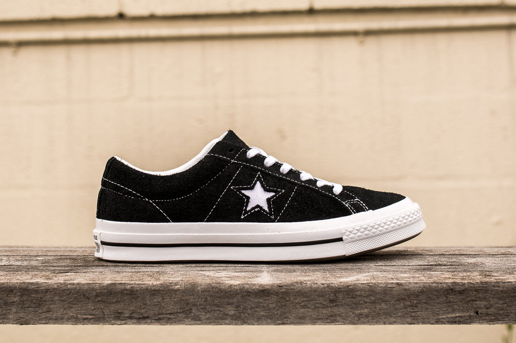 CONVERSE ONE STAR SUEDE LOW TOP - BLACK  f11422329