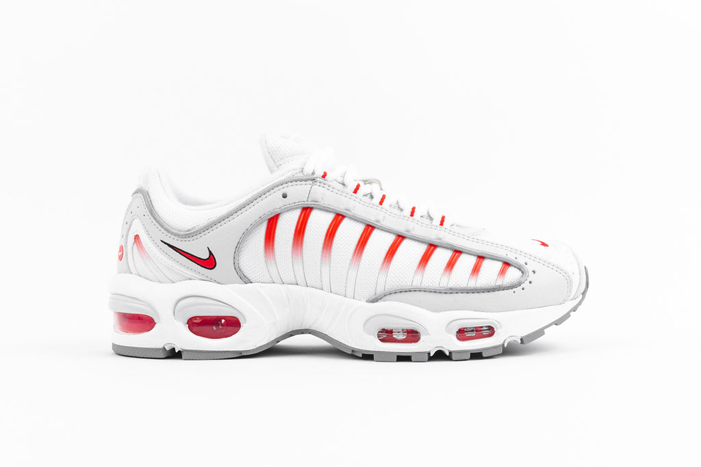 "NIKE AIR MAX TAILWIND 4 ""RED ORBIT"""