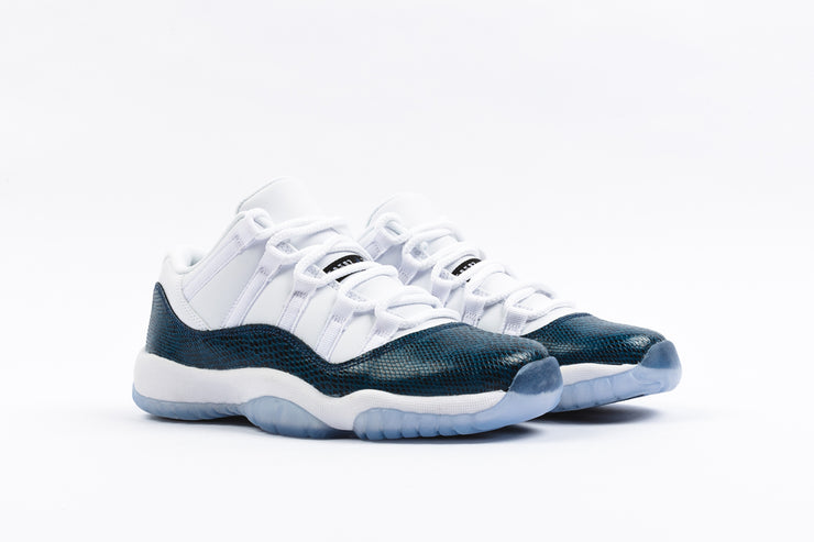 "AIR JORDAN 11 RETRO LOW LE (GS) ""NAVY SNAKESKIN"""