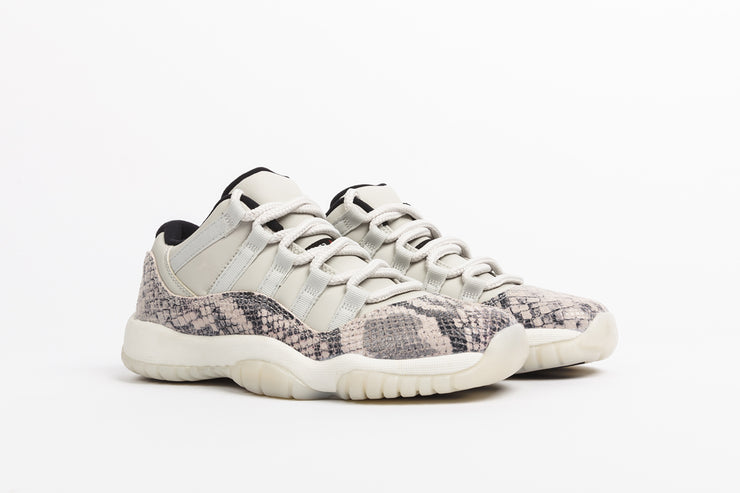 "AIR JORDAN 11 RETRO LOW LE (GS) ""SNAKESKIN"""