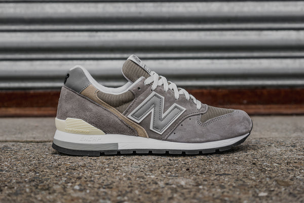 NEW BALANCE M996 - GREY/WHITE