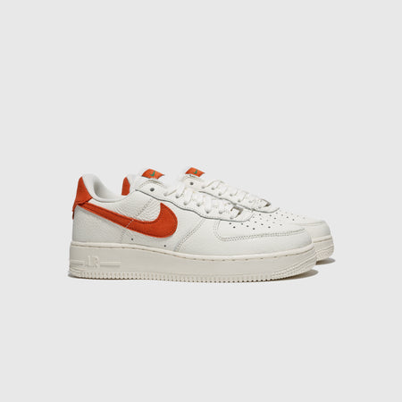"NIKE AIR FORCE 1 '07 CRAFT ""MANTRA ORANGE"""