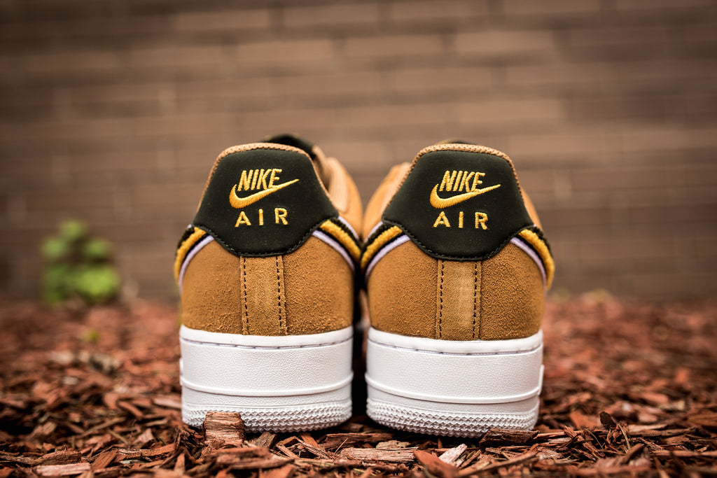 "NIKE AIR FORCE 1 '07 LV8 ""CHENILLE SWOOSH"""