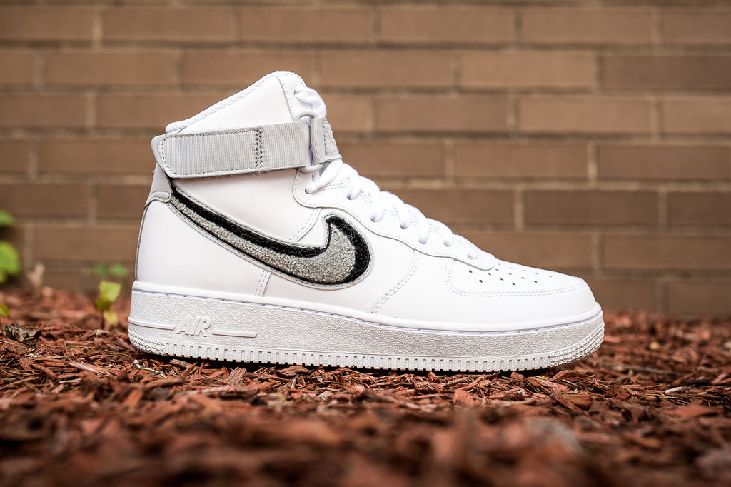"NIKE AIR FORCE 1 HIGH '07 LV8 ""CHENILLE SWOOSH"""
