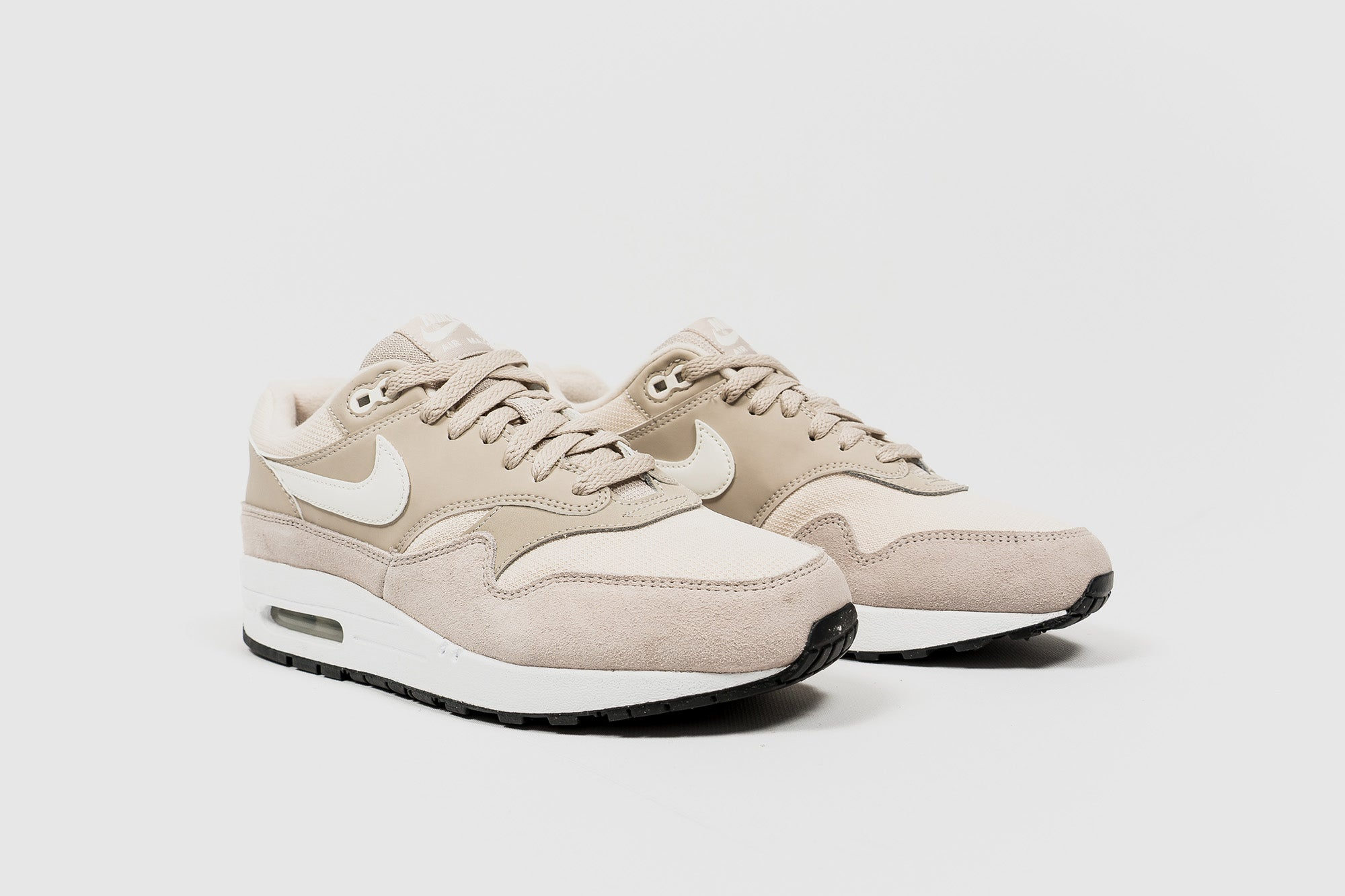 detailed look af2c9 fa4a0 NIKE WMNS AIR MAX 1