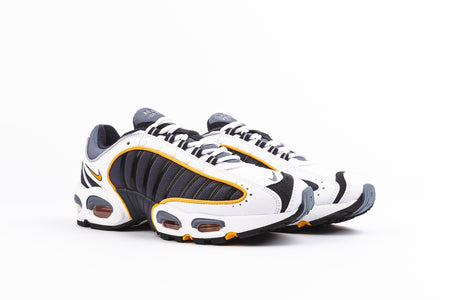 sports shoes 42d15 61487 ProductDrop NIKE AIR MAX TAILWIND 4