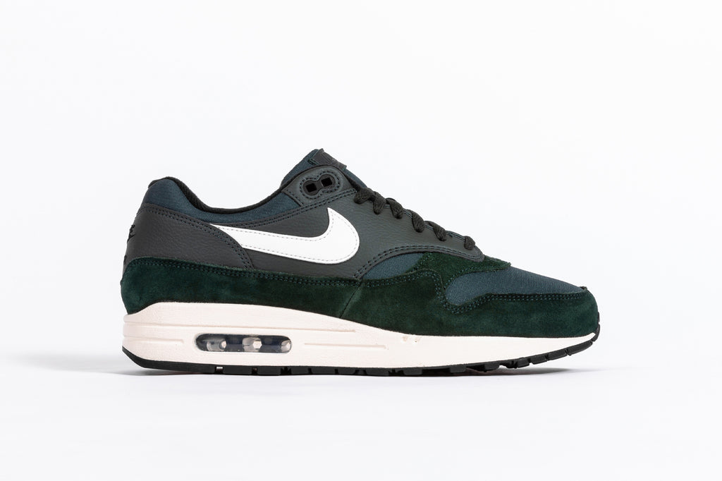 "NIKE AIR MAX 1 ""OUTDOOR GREEN"""