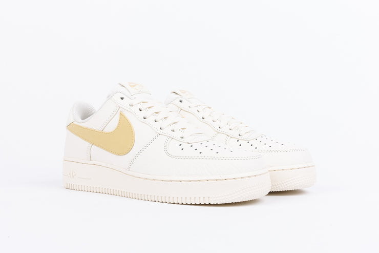 "NIKE AIR FORCE 1 '07 PRM 2 ""PALE VANILLA"""