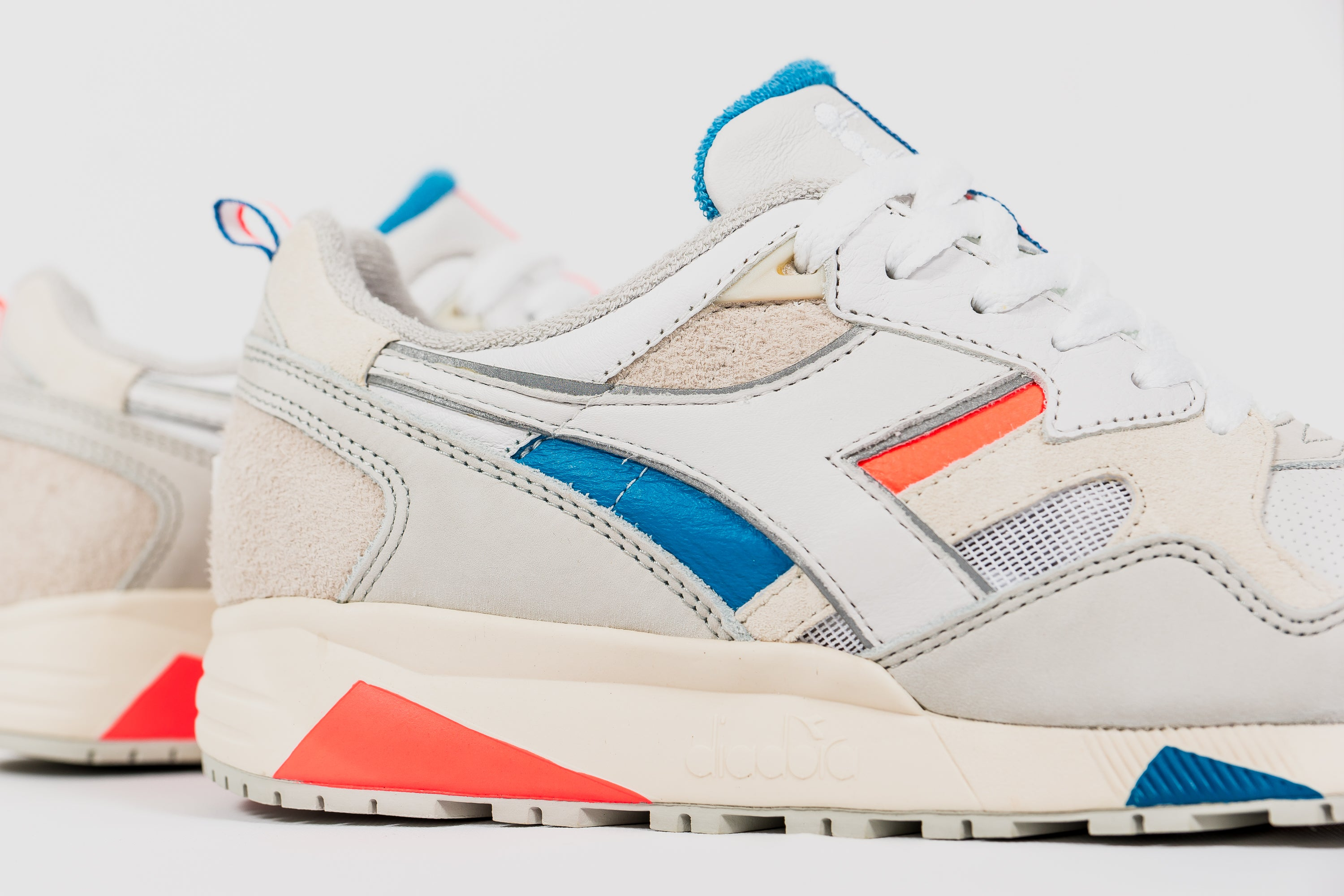 "PACKER X DIADORA N9002 ""ON/OFF"""