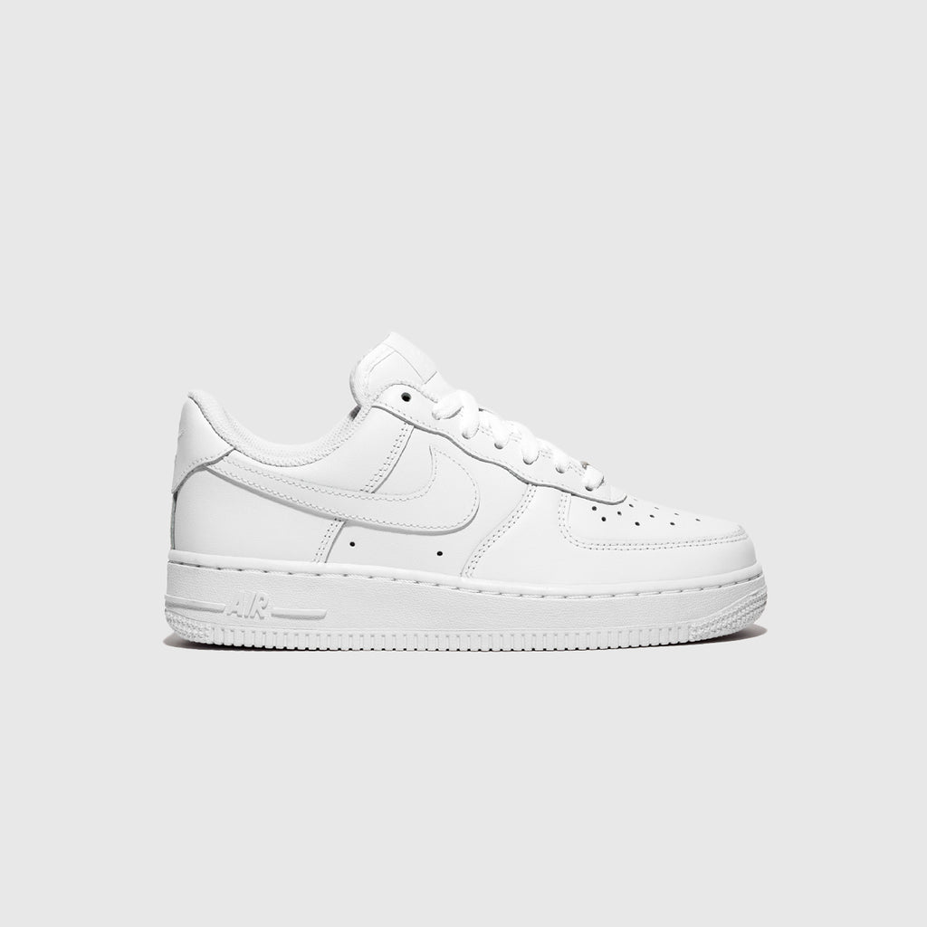 "NIKE WMNS AIR FORCE 1 '07 ""TRIPLE WHITE"""