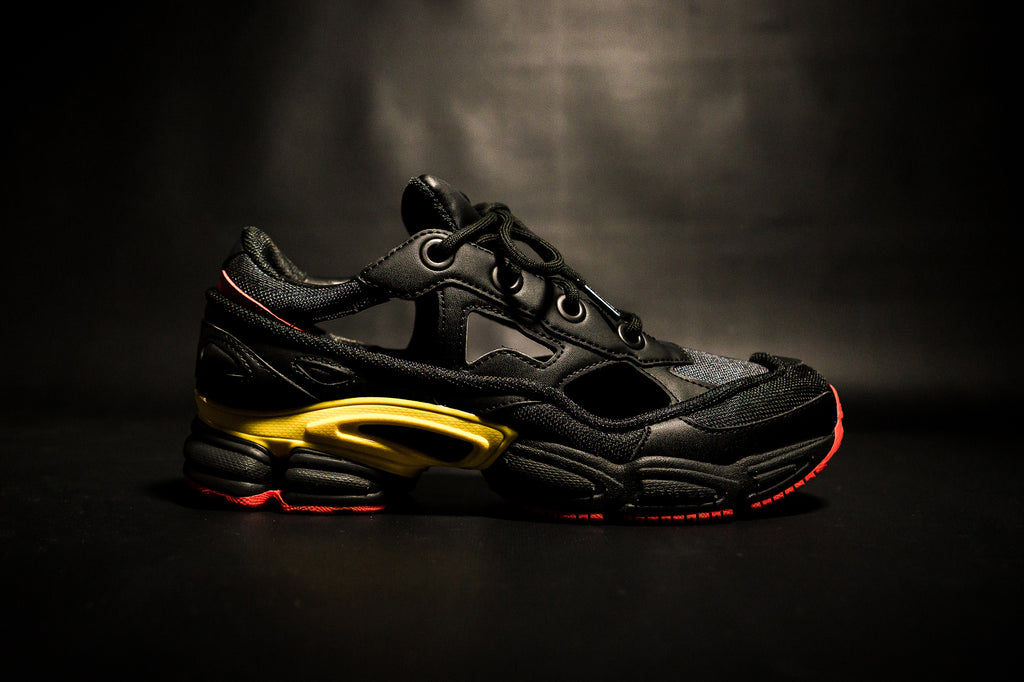 new product db38c 65729 ADIDAS BY RAF SIMONS REPLICANT OZWEEGO