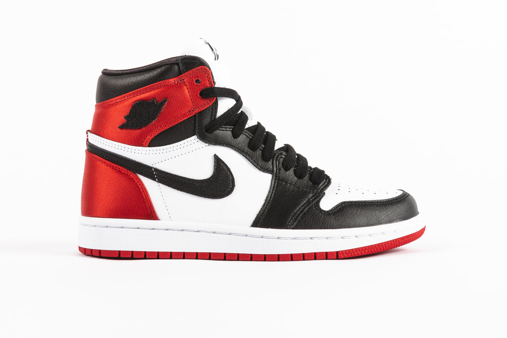 "WMNS AIR JORDAN 1 HIGH OG ""SATIN BLACK TOE"""