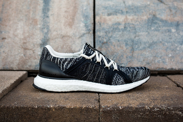 ADIDAS WOMENS BY STELLA McCARTNEY ULTRABOOST PARLEY - BLACK/WHITE