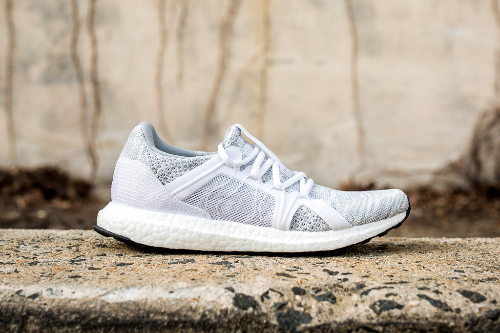 ADIDAS WOMENS BY STELLA MCCARTNEY ULTRABOOST PARLEY - STONE/WHITE