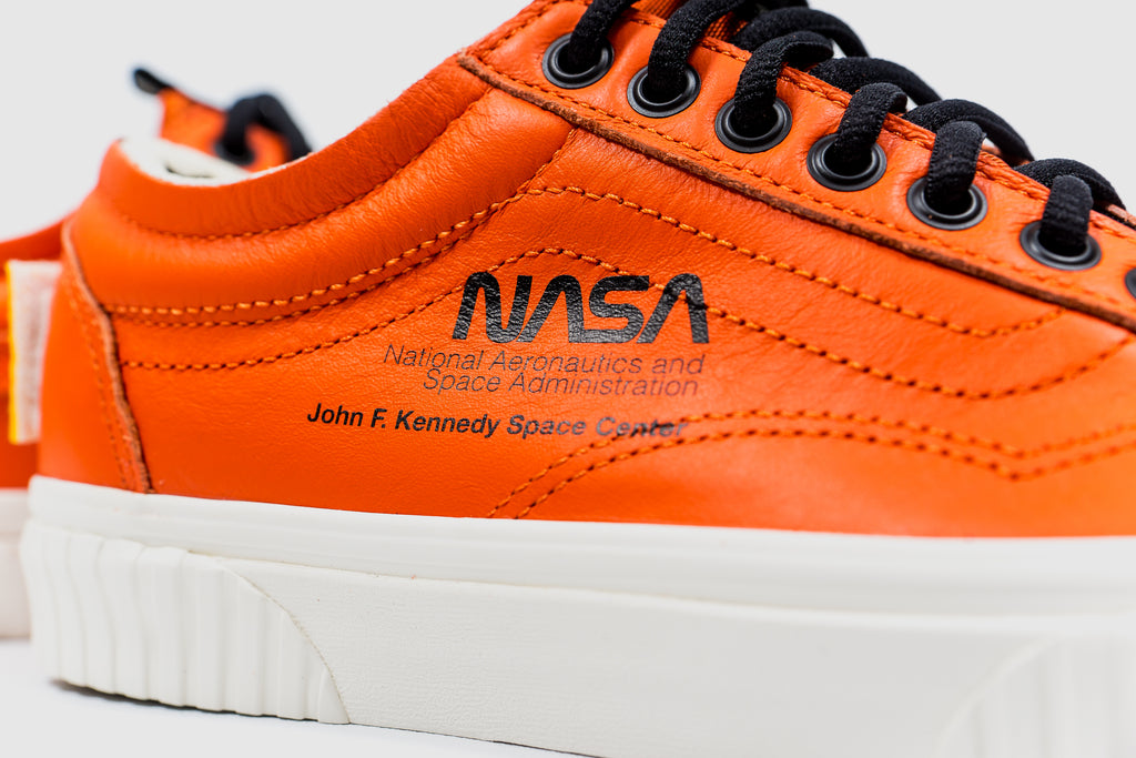 1da37fa451d VANS OLD SKOOL X NASA