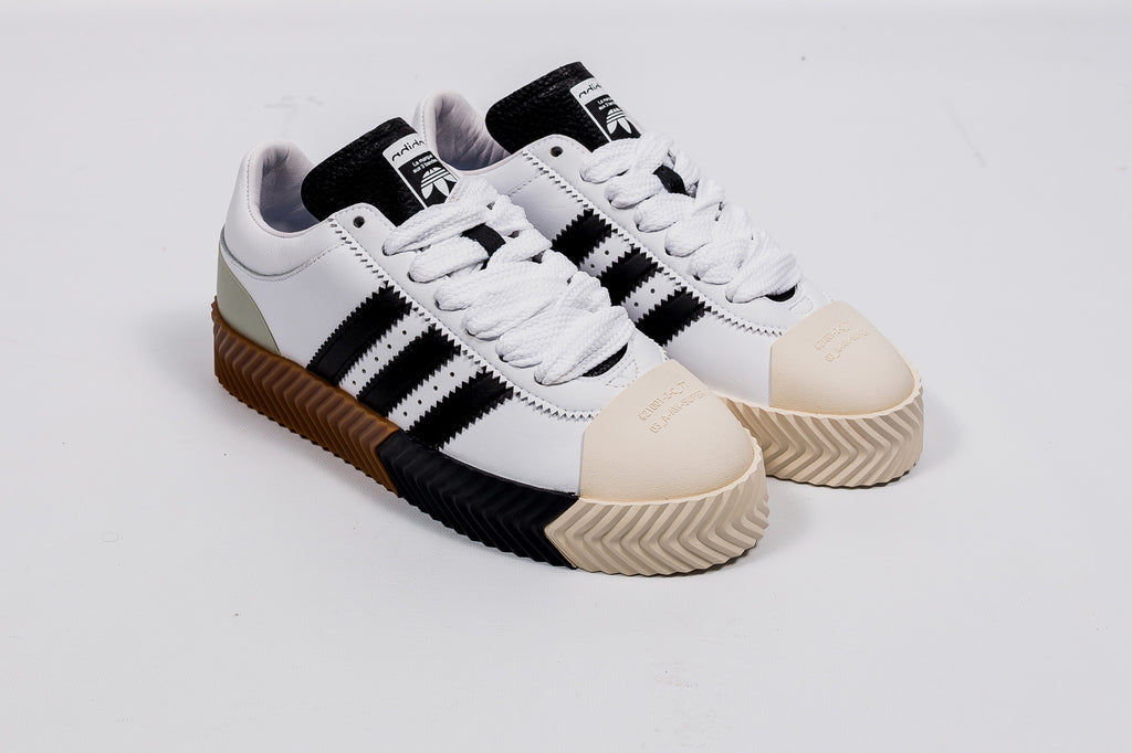 new product c1ea9 2828e ADIDAS ORIGINALS X ALEXANDER WANG SKATE SUPER